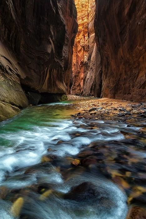 river,canyon,landscape