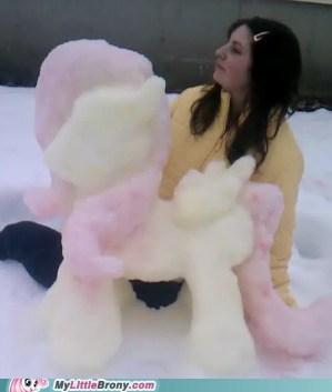 A Fluttershy snowpony! ^_^