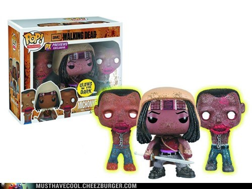 Walking Dead Michonne with Glow in Dark Zombies!