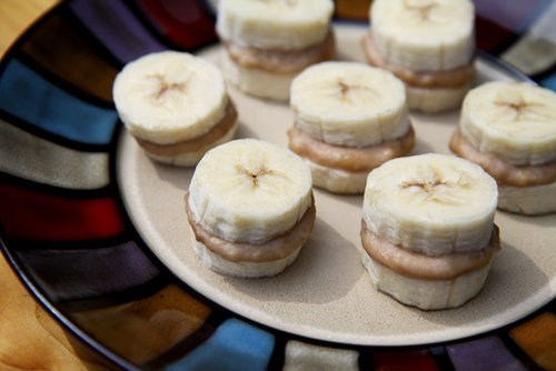 Make Your Own Tasty Banana-Peanut Butter Snacks!
