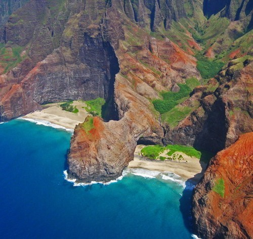 The Hidden Beach of Honopu, Hawaii