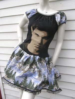 A Beautiful Dress fro Any Twihard