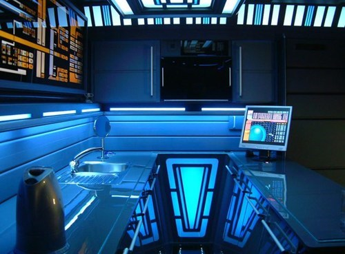 This Trekkie Made a Starfleet-Worthy Conversion of His Apartment