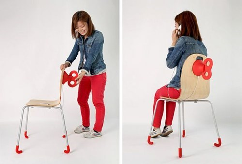 This Wind-Up Chair Will Juice Your Phone Up in a Jiffy!