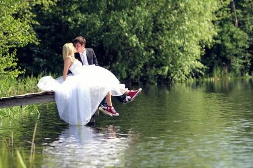 ruined,dress,lake