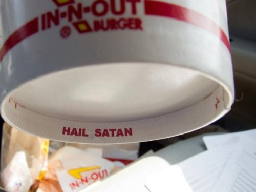 Only Eat at In-N-Out if U Loev Santans