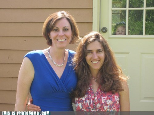 6 Year Old Photobombs Mom and Aunt