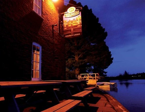 double locks,awesome,pub of the week,funny