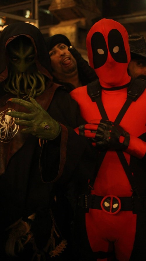 Photobombing Deadpool and a Cultist