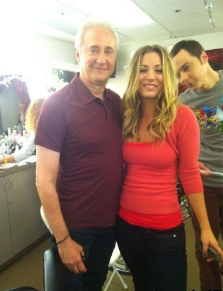 brent spiner,photobomb,Sheldon Cooper,penny,kaley cuoco,data,funny,jim parsons