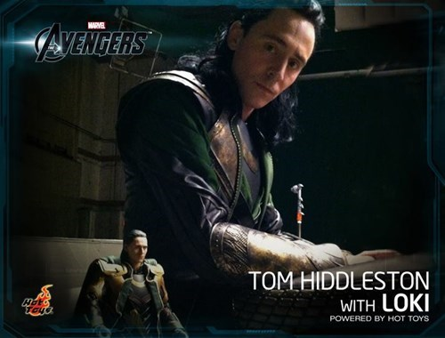 Check Out Tom Hiddleston Playing With Himself