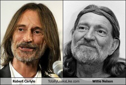 robert carlylye,willie nelson,totally looks like,funny