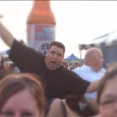 photobomb,giant beer,funny