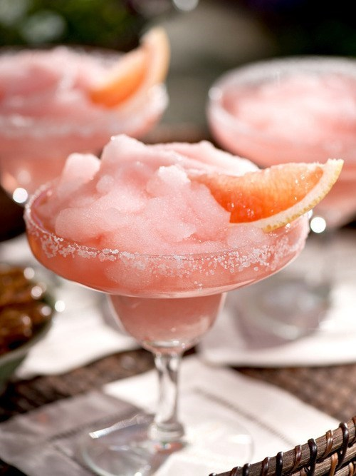 Summer Drinks: Keeping it Cool With a Grapefruit Margarita
