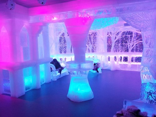 New York's minus5   Ice Bar, Completely Frozen