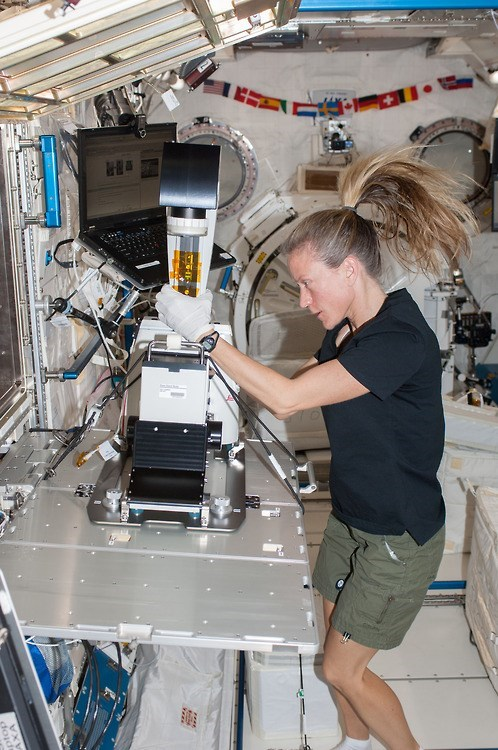 Astronaut Karen Nyberg Doing Science in Space!