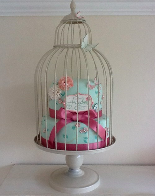 Celebrate Your Divorce By Lifting the Cage From This Cake