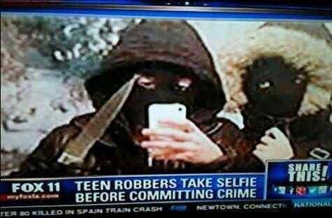 news,criminally dumb criminals,selfie,irony,funny