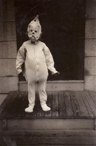 wtf,kids,creepy,porches,funny,vintage