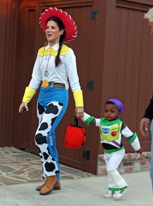Sandra Bullock Has a Woody... Costume