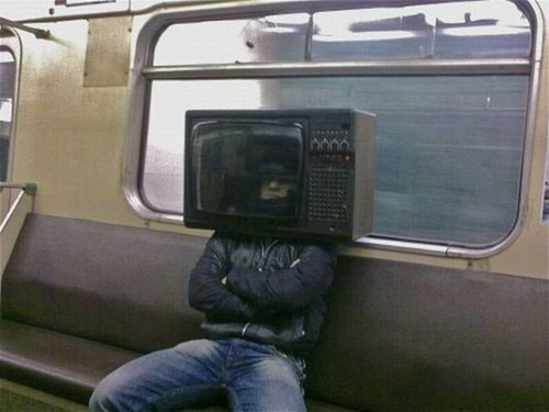 mask,TV,uncomfortable,Subway,poorly dressed,g rated