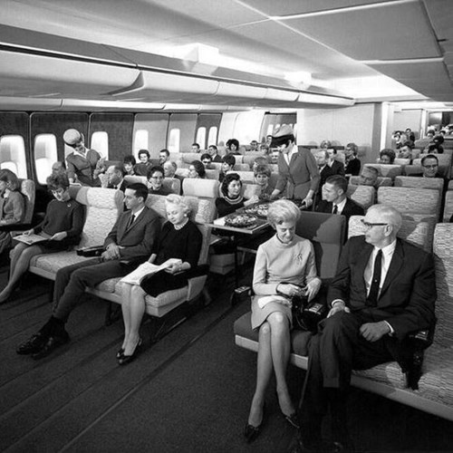 A Picture of Economy Class on a Pan-Am Flight in 1960