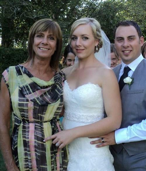 photobomb,bridesmaids,SOON,weddings,shoulder gap