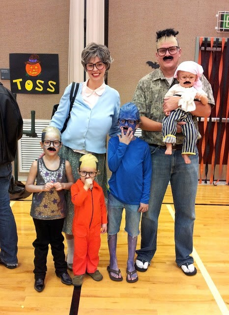 The Best Family Costume: Six Tobias Fünkes