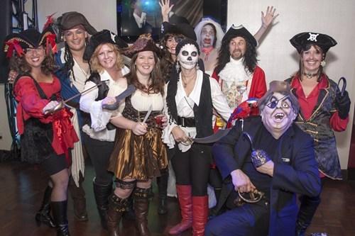 costume,photobomb,halloween,pirates,zombie