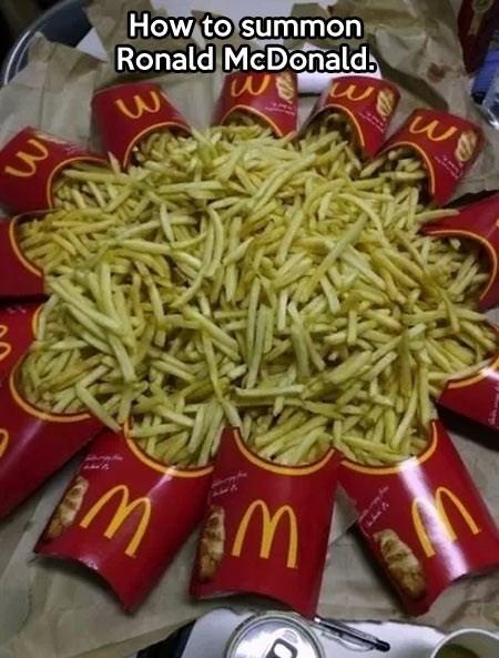 Ronald McDonald,McDonald's,french fries