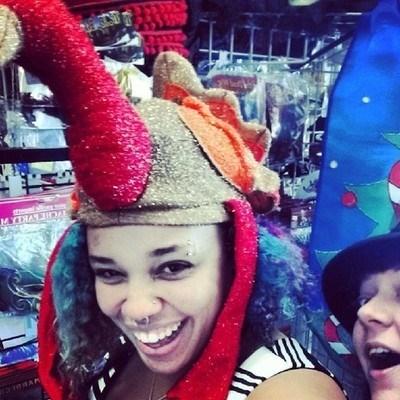 photobomb,hats,turkeys