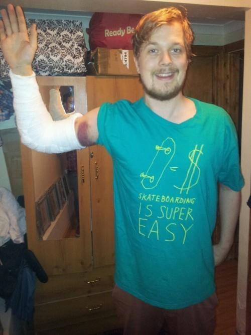 skateboarding,broken bones,shirt,irony