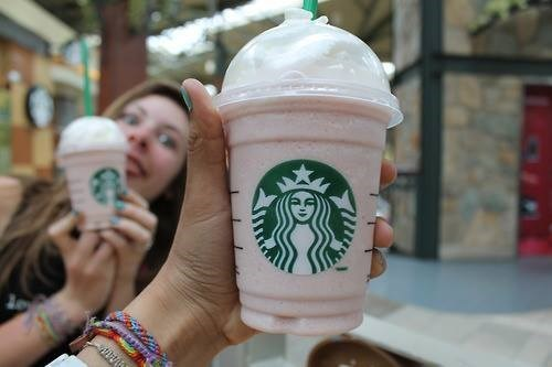 drinks,Starbucks,photobomb