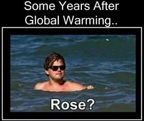 leonardo dicaprio,titanic,swimming