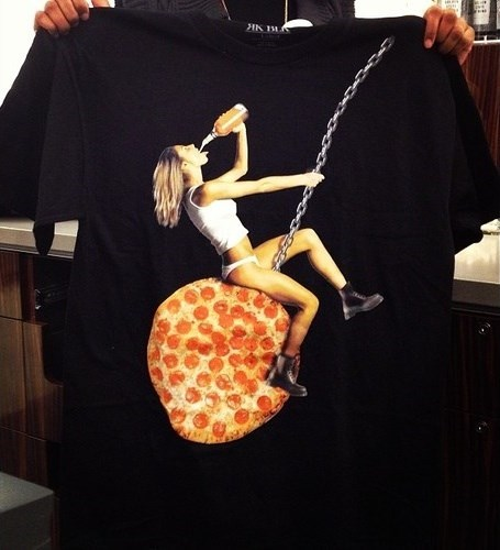 clothes,miley cyrus,shirts,pizza,murica,poorly dressed