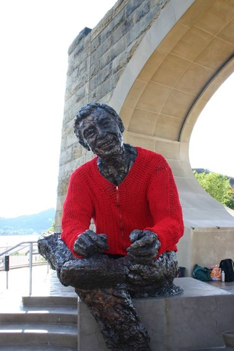 mr rogers,hacked irl,statue,Yarn Bomb