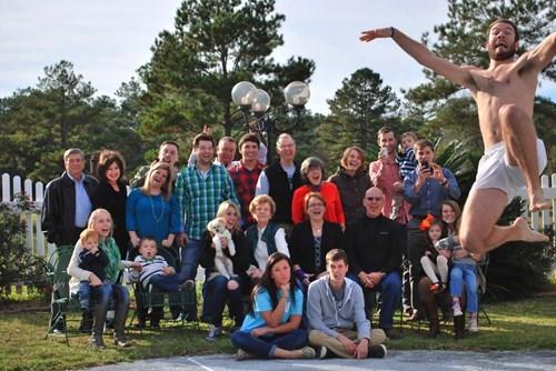 family photos,photobomb