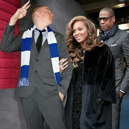 This Guy Photoshopped Himself Into Celebrity Pictures and Wins The Internet