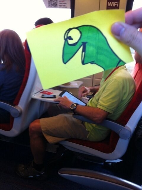 Kermit post-it head