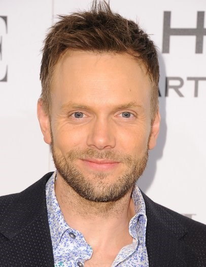 News of the Day: Joel McHale to Host White House Correspondents' Dinner