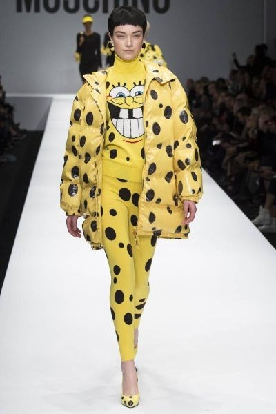 runway,poorly dressed,SpongeBob SquarePants,catwalk