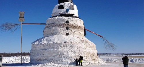 A Farmer in Minnesota Made This Gigantic 50-Foot Snowman, Because Why Not?