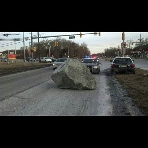 rock,cars,traffic