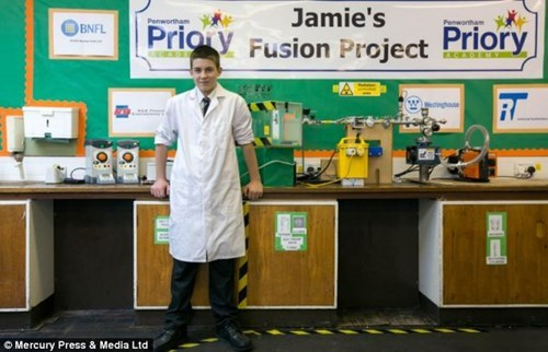 Jamie Edwards', 13, Becomes Youngest Person to Create Nuclear Reactor