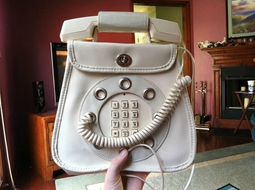 Kids Today Have Never Seen a Phone Like This