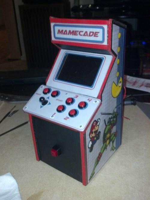 Beautiful Geekery of the Day: This is the Tiniest MAME Cabinet You'll Ever See