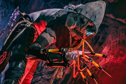 This Scarecrow Cosplay Will Scare The Stuffing Out of You
