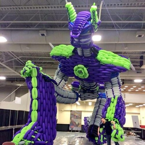 Poptimus Prime is the Largest Balloon Sculpture Made by a Single Person