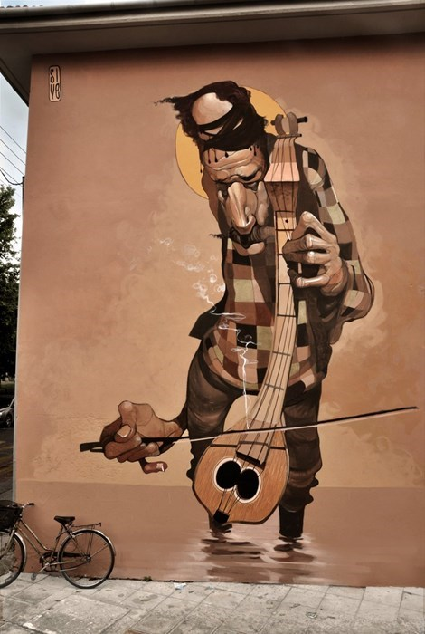 The Twisted Street Art of Stamatis Laskos