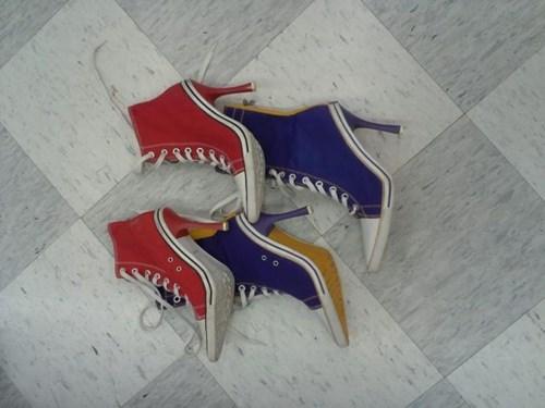 shoes,heels,poorly dressed,sneakers